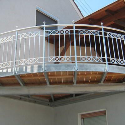 balkonanlage-1.400x400-crop.jpg
